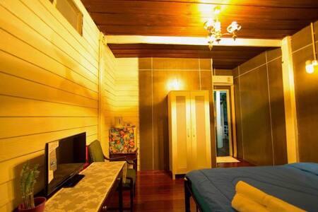 Thur Hostel Ao Prachaup เธอโฮสเทล