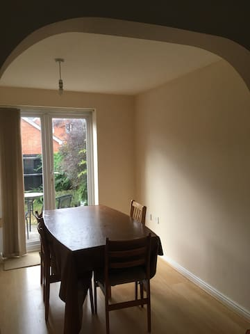 Homely stay near city centre.