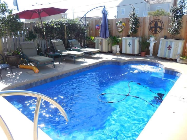 Lakeview-Pool, Close to  Lake &  City Park - Safe!