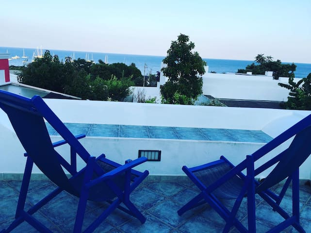 amazing TERRACE - Stromboli, Scari - Stromboli - Apartment