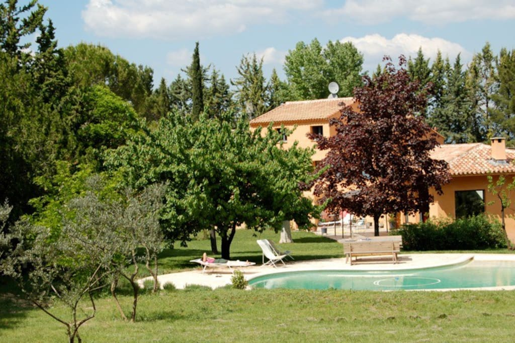 Studio calme dans verdure avec piscine pr s aix for Piscine venelles