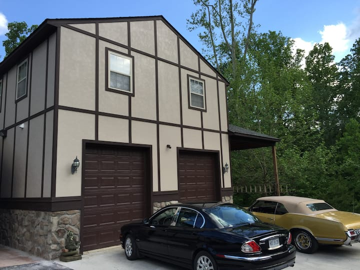 Private 1BR Apt Central Lynchburg