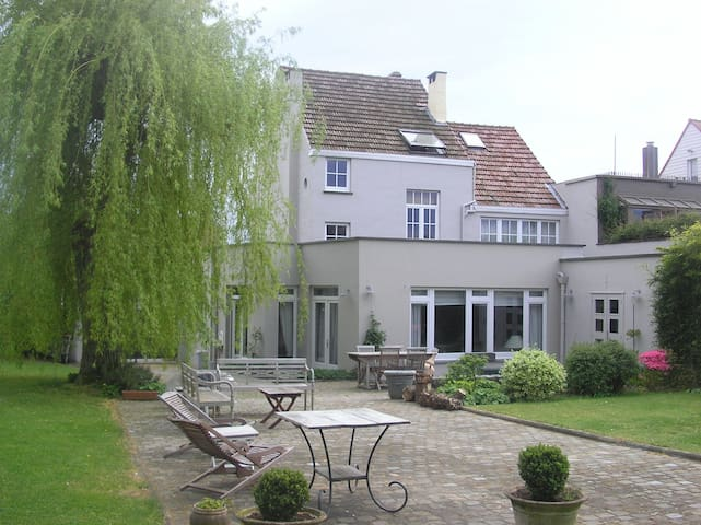 Le saule pleureur - Waterloo - Bed & Breakfast