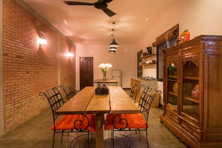 BIG Charming House (Free Airport Pick UP) - Krong Siem Reap - House