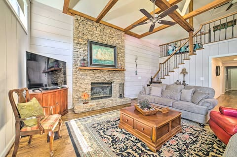 NEW! Spacious Coosa River Retreat w/Dock & 3 Piers