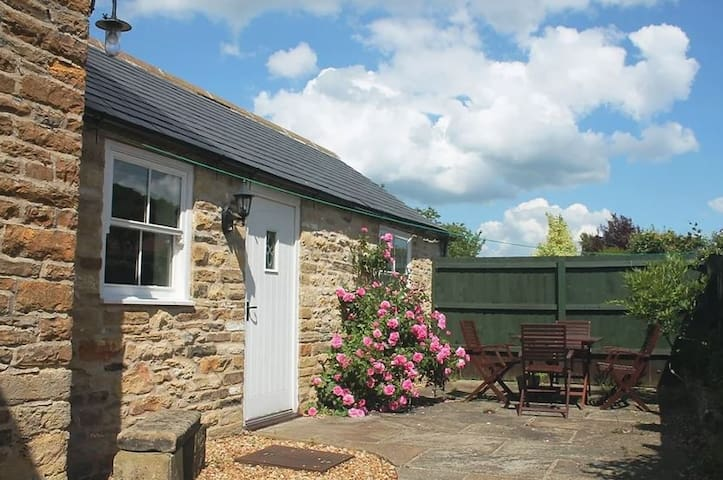 Fairfax View - delightful annexe cottage, Gilling