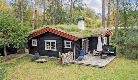 Idylisk sommerhus på stor naturgrund, Nordsjælland