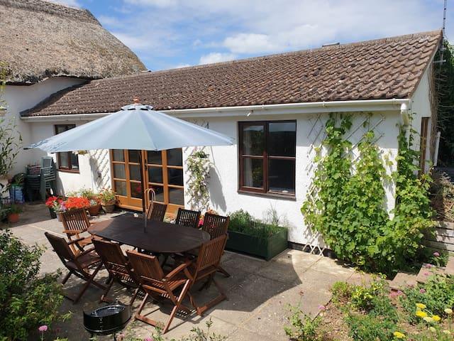 Devon Cottage Annexe near sea, river and moor