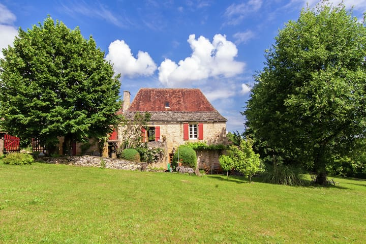 Spacious detached farmhouse with a large private garden and a beautiful view