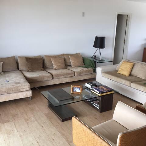 Amplo apt. varanda 1 por andar - Manaus - Apartment