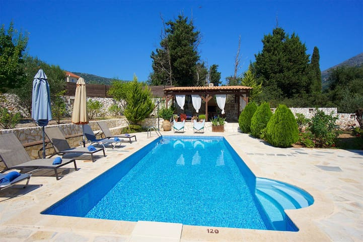 Gorgeous Villa with private pool, quiet location - Kefallonia