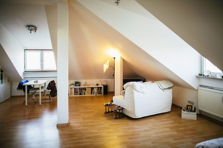 Comfy little Penthouse - Garching - Apartment