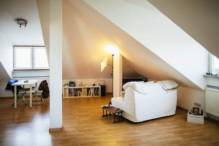Comfy little Penthouse - Garching - Apartamento