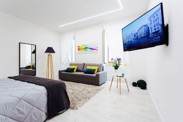NEW LUXURY HOME IN PIAZZA FARNESE-CAMPO DEI FIORI