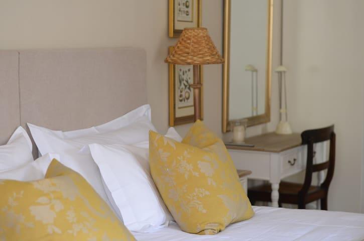 Largo House guest suite