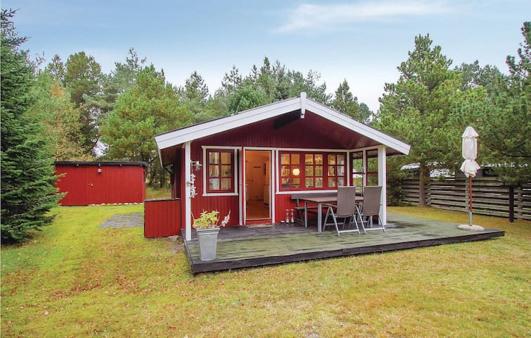 Holiday cottage with 2 bedrooms on 40m² in Sæby