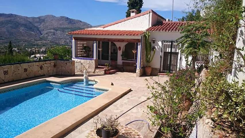 Private family villa,stunning views sleeps 9