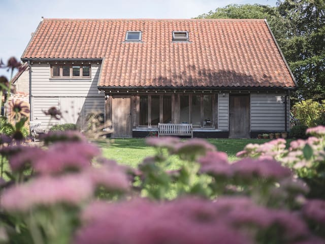 Private, self-contained rooms in The Boathouse - Old Buckenham - Bed & Breakfast