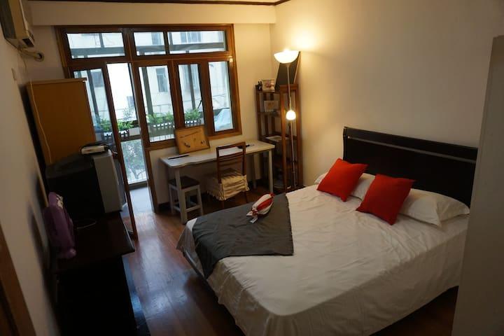 卧室2 bedroom2