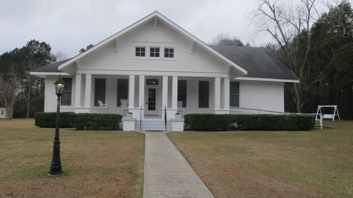 Mimi's Elegant Country Home