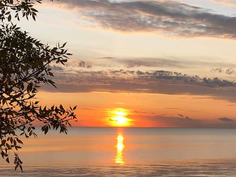 Lake Manitoba Sunset Retreat
