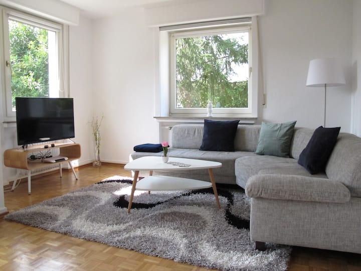 Gemütliches Apartment, Hell&Ruhig, Terasse, 70m2