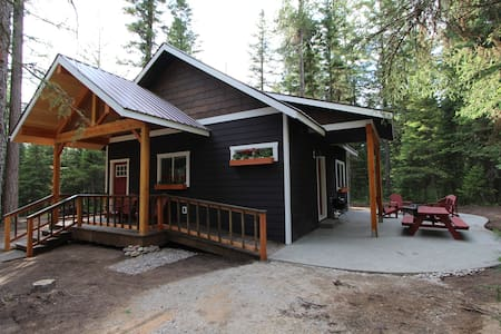 Hidden Cabin in the Woods $135-$260 - Martin City - Cabaña