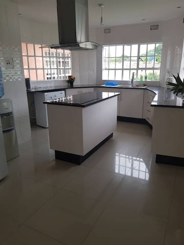 Beautiful 3 Bedroom furnished apartment in Roma