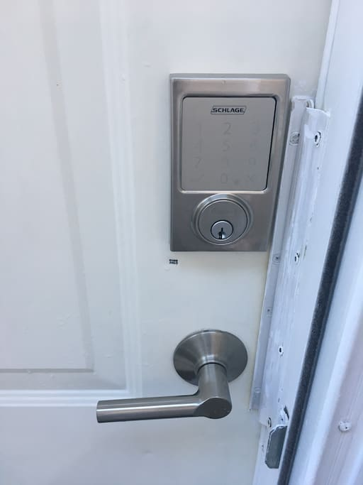 Private entrance with electronic lock