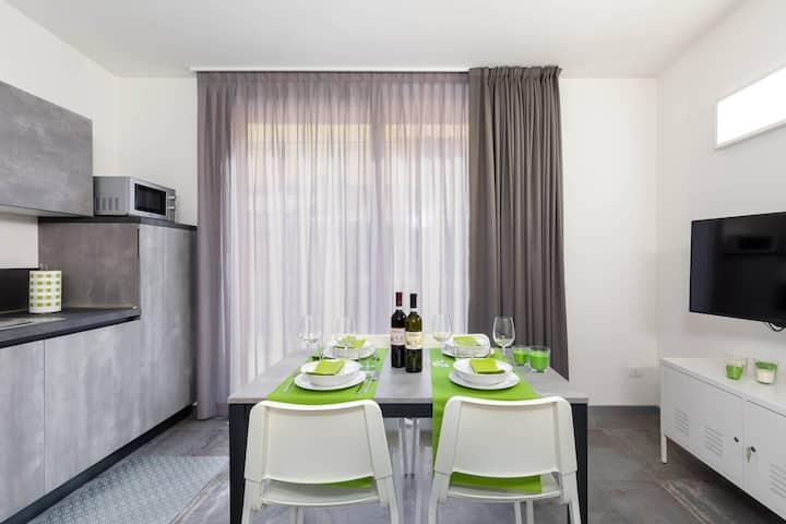 Steel, Loft 292 Venice Apartments