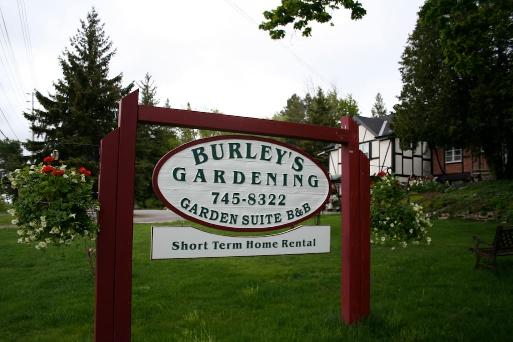 Burleys Gardens And One Bedroom Suite Apartments For