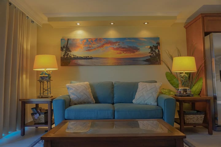 Beautiful Napili condo minutes from the beach