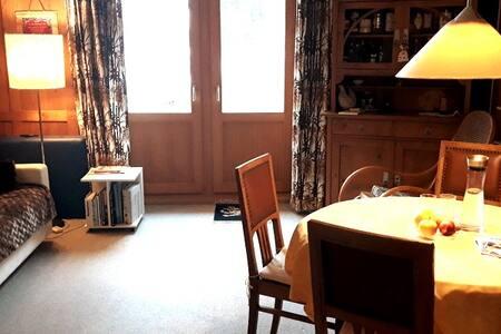 Schönes Zimmer in der historischen Villa Dora
