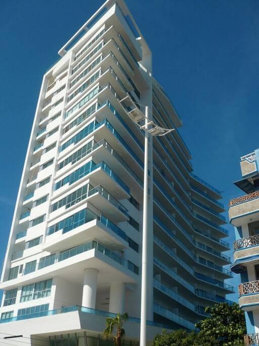 Hermosa construccion moderna ubicada en el exclusivo sector de Playa Salguero