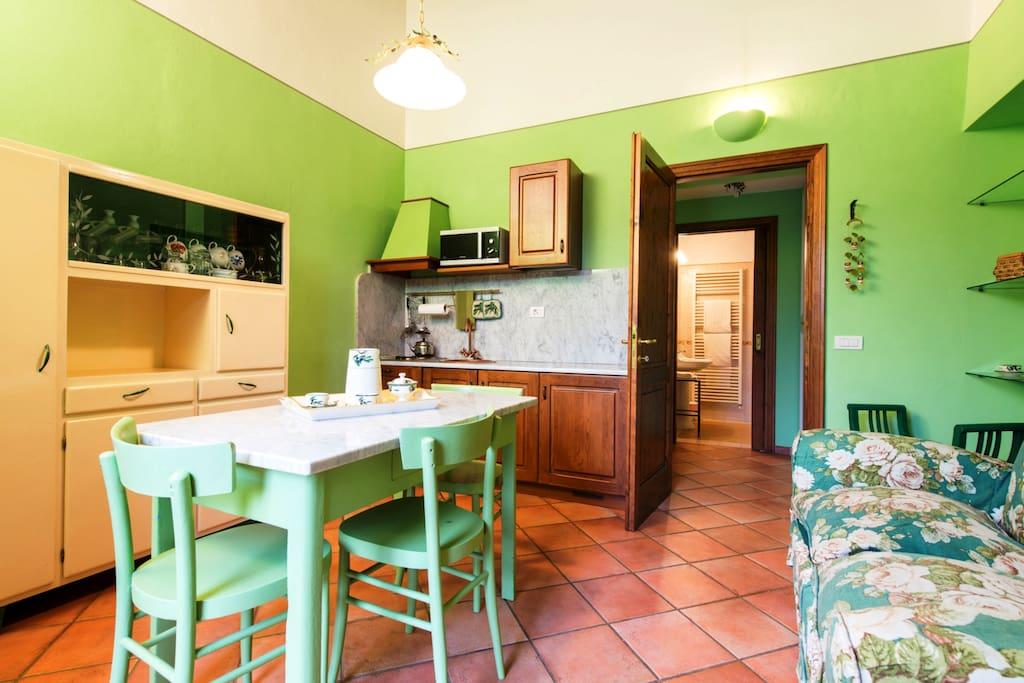 Soggiorno e cucina/living and kitchen