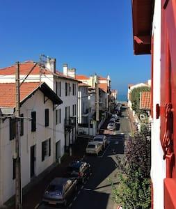 Côte des Basques - 50m de l'Ocean - Apartment