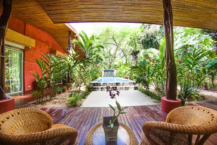 Tropical Paradise close to beach - Potrero - House