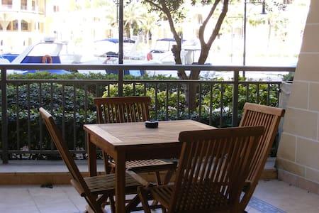 Portomaso : Marina View Apartment - St Julian's - Leilighet