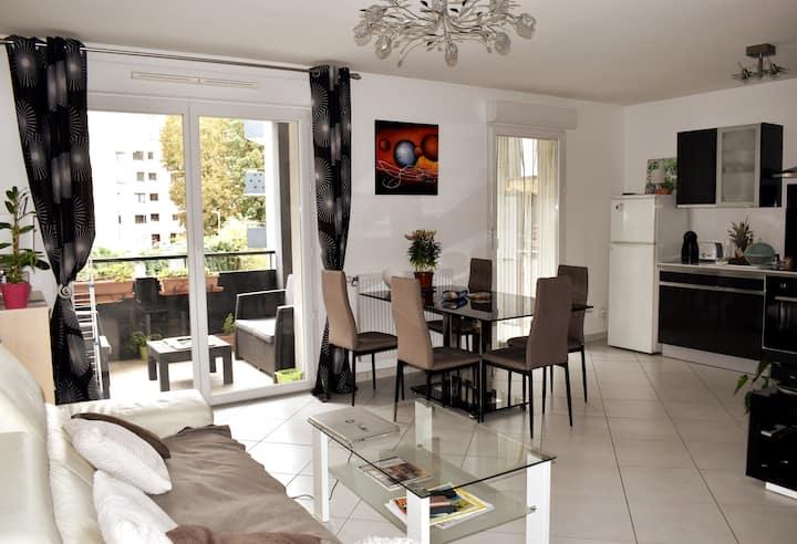 Bel appartement lumineux avec grande terrasse