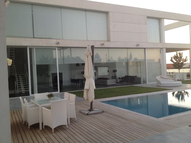 luxury villa with amazing view and treats - Caesarea - Talo