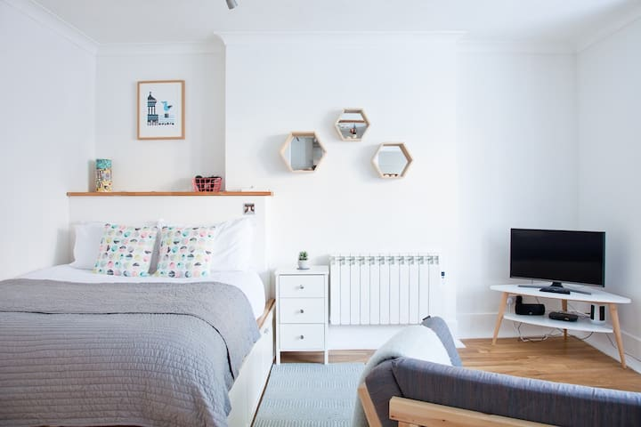 """Open plan living - a great space to relax for couples or friends.  """"The place itself is lovely, bigger than expected """" SAM Sept 2019"""