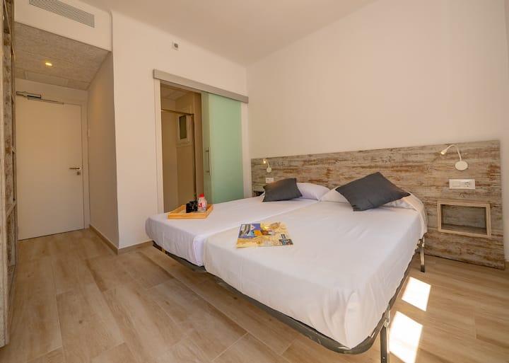 Gloria Rooms 202
