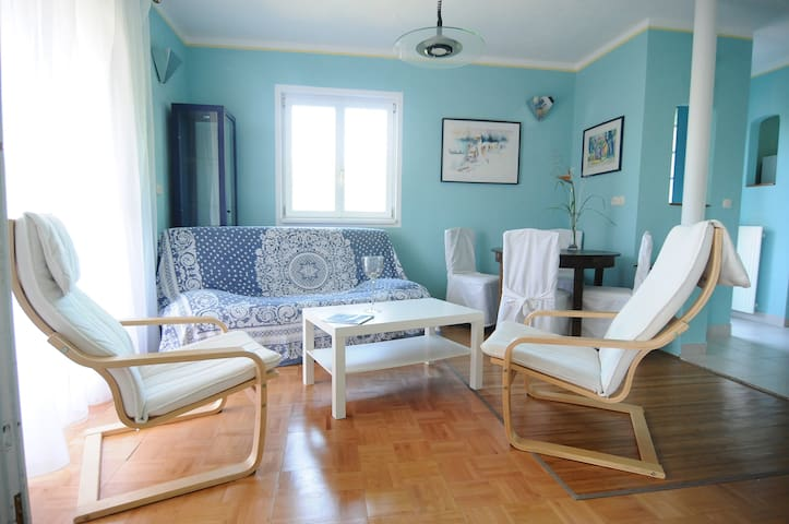 3 room apartment OLEANDER with balcony by the sea