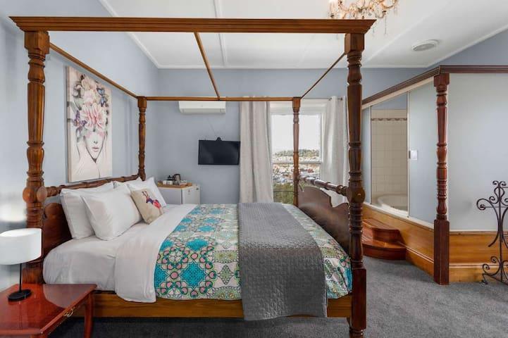 Elle Room at The Dragonfly Inn