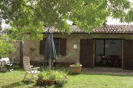 Cosy countryside house - Orvieto