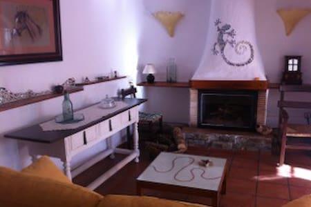 A VERY SPECIAL HOME ... - Cortes de Arenoso