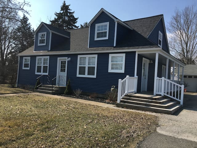 Caden Cove - Newly Remodeled Home!