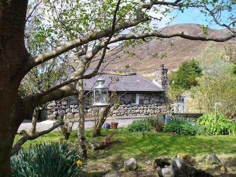 Blackhouse at Tigh nan Seileach,