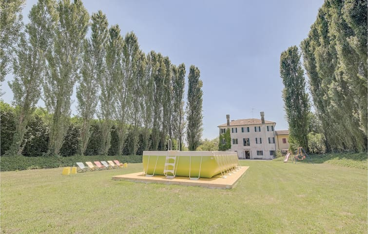 Semi-Detached with 6 bedrooms on 500m² in Quinto di Treviso (TV)