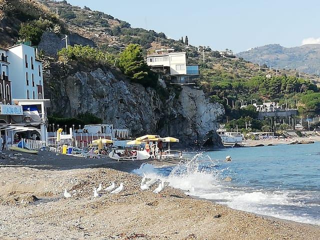 Villa Gina in Taormina with seaview